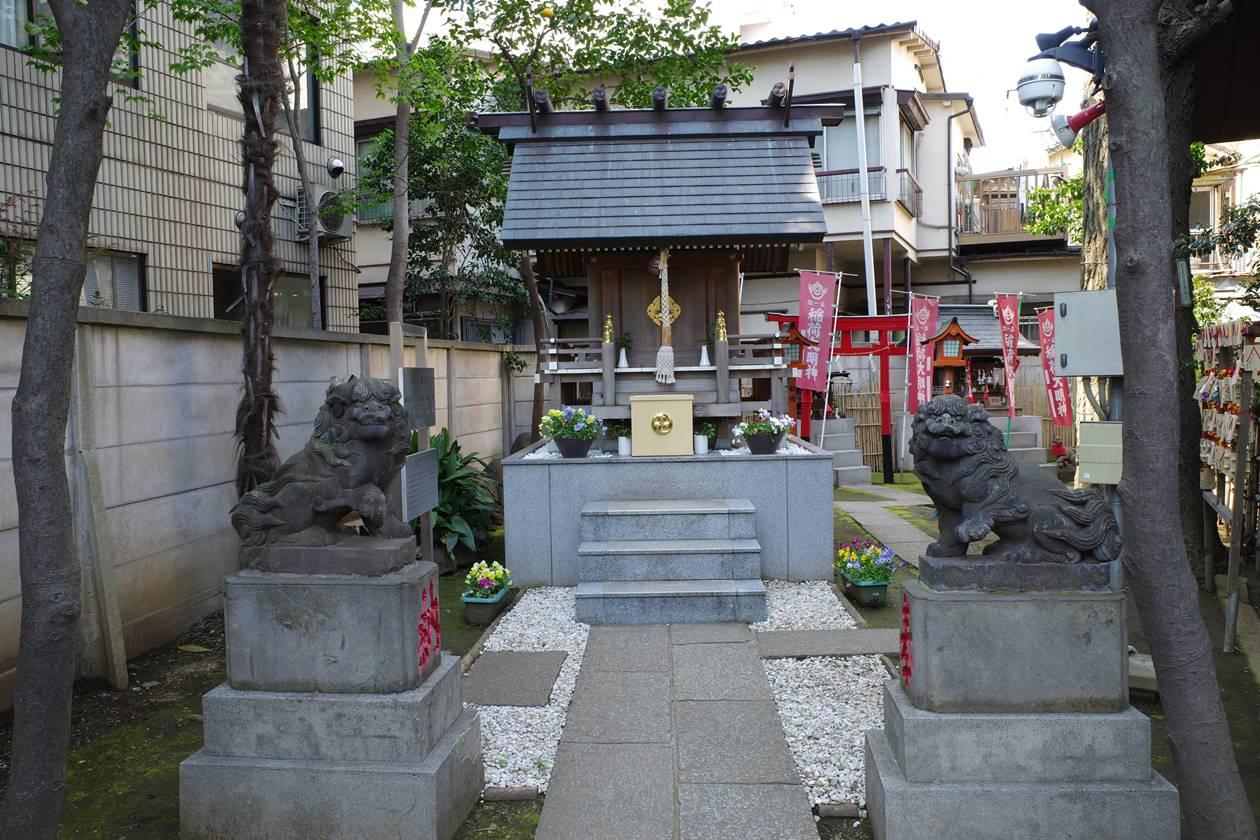 氷川神社・拝殿