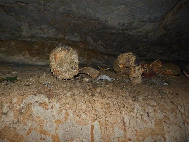 Restos óseos chachapoyas en las cuevas de Quiocta (Perú)