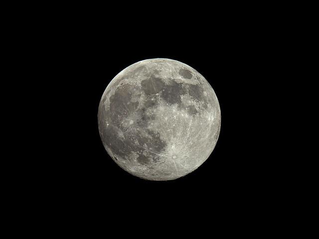 Full Moon 2020 May 06 - 22:00 UT