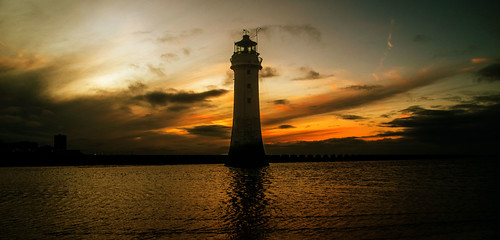 england sky lighthouse clouds europe britain outdoor wintersolstice newbrighton perchrock geotagged wirral ©2019tonysherratt â©2019tonysherratt geo:lat=5344345903 geo:lon=304029664 sunset 20191221164636