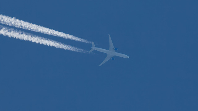 United Airlines N2352U 777-322ER Clitheroe 06.05.2020