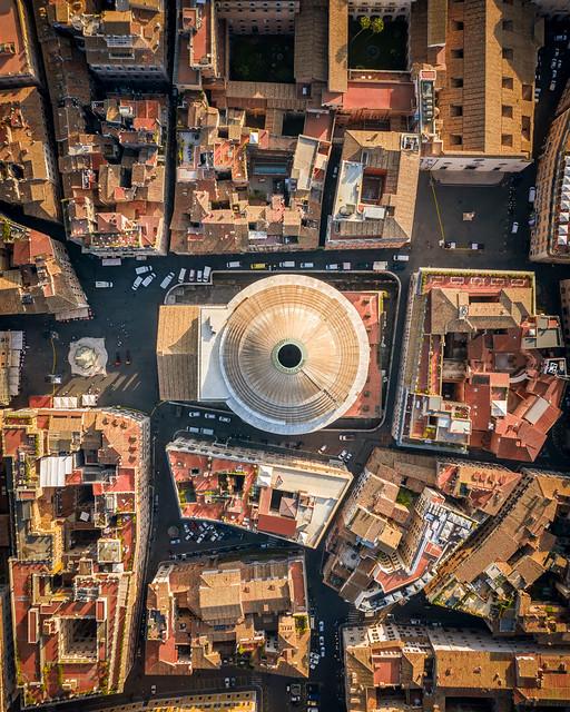 ROMA ARCHEOLOGIA e RESTAURO ARCHITETTURA. Pantheon, a Roma riportata alla luce l'antica pavimentazione di epoca imperiale. FOTO, in: Sop. Speciale Roma & skytg24; La Repubblica & Corriere Della Sera (05-06/05/2020). S.v., BCom. 100 (1999): 137-154.