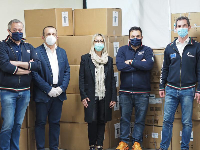 La consegna del materiale sanitario ad Anpas LOmbardia