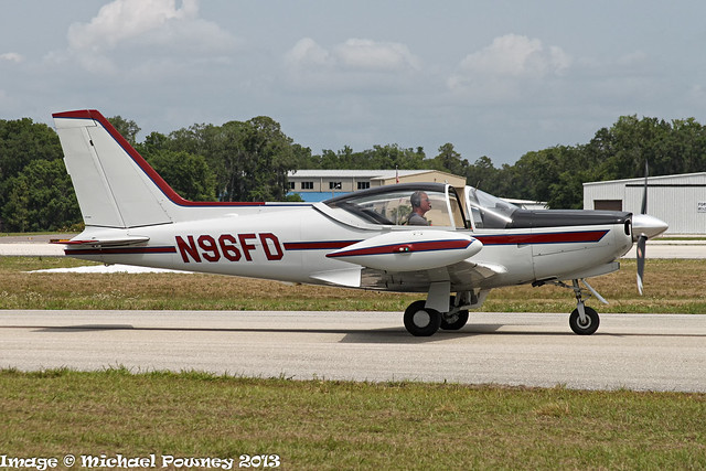 N96FD - 1990 build SIAI-Marchetti SF.260D, taxiing to parking on arrival at Lakeland during Sun 'n Fun 2013