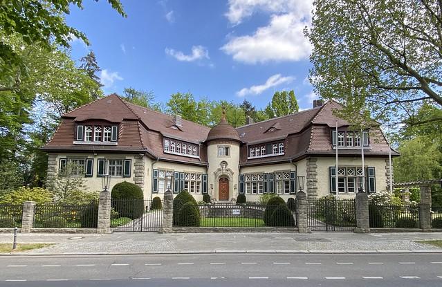 Villa Stauss