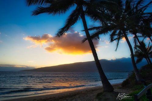 maui mauihawaii kihei kiheihawaii hawaii scenic serene gaylene wife water waves waterscape sunset milf sunlight sun palmtree palm palmtrees tree trees tropical blue bluesky bluewater clouds orange reflections reflection reflectionsinwater beach sand maipoinaoeiaupark maipoinabeachpark park kirt kirtedblom edblom luminar nikon nikond7100 nikkor18140mmf3556