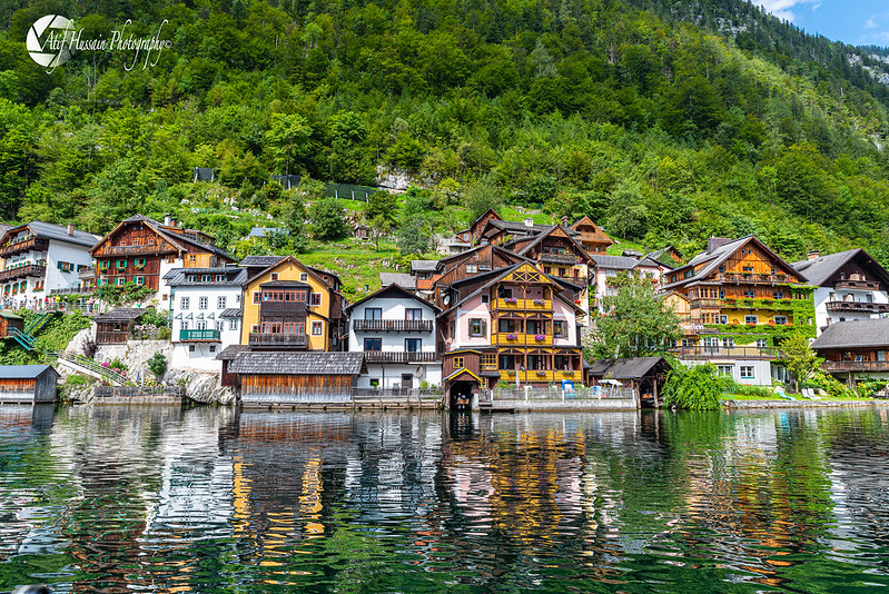 Colorful Medieval Houses along the Lake in Hallstatt - Austria 🇦🇹