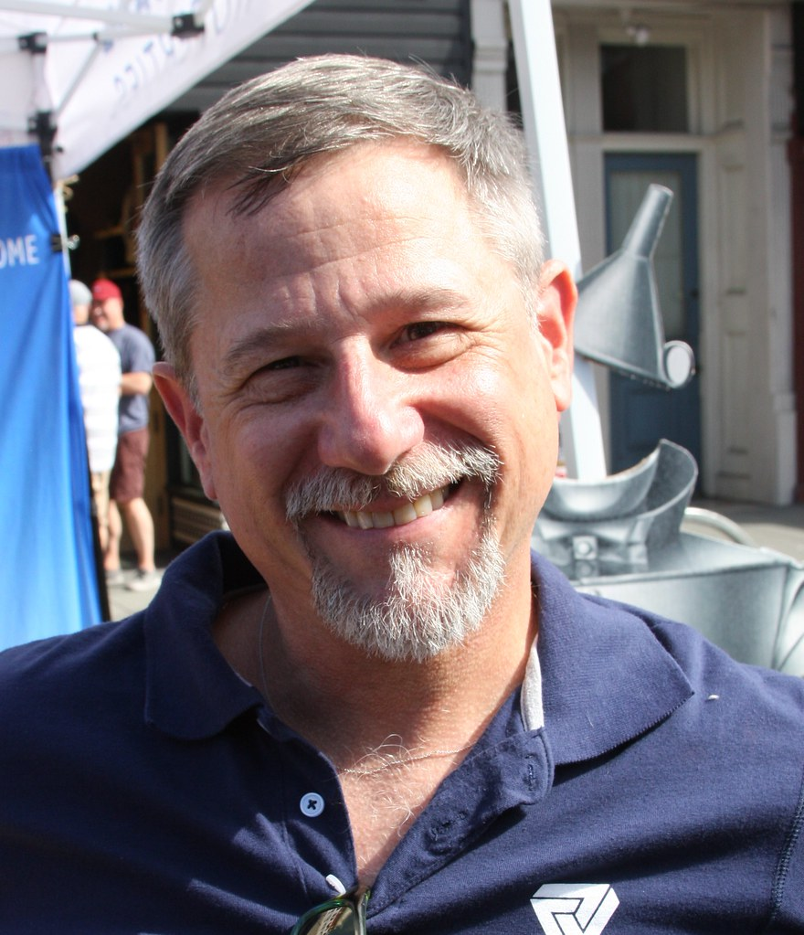 HANDSOME SMILING DADDY HUNK ! ~ CASTRO STREET FAIR 2019 ! ( safe photo )