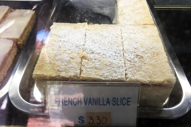 Vanilla slice: Pennant Hills Hot Bread