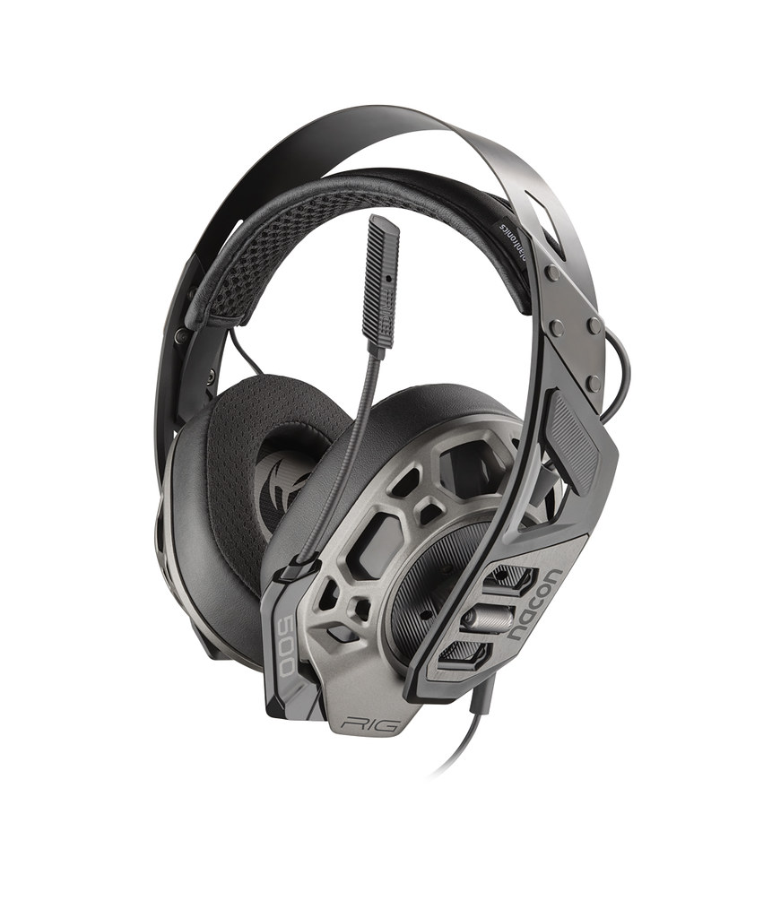 49869917427 78d213a2a3 b - Fünf starke Gaming-Headsets für eure PS4