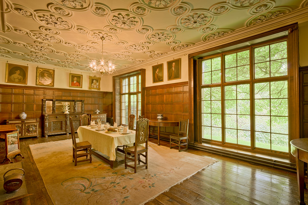 The beautiful dining room inside Astley Hall in England [OC][8686x5788]