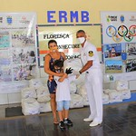 Marinha do Brasil entrega cestas básicas as famílias de crianças atendidas pelo Programa Forças no Esporte