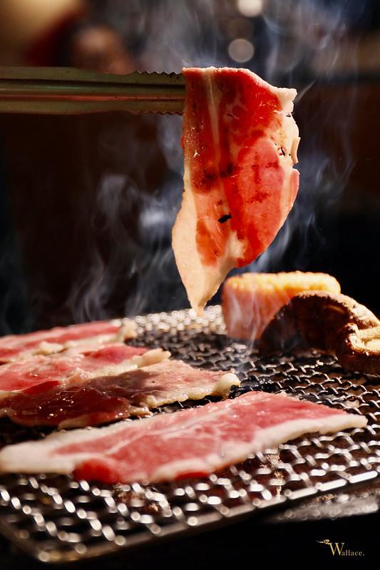 神牛炭火燒肉吃到飽