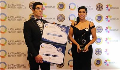 Colegio Online en Premios LAQA