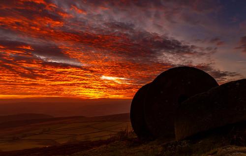 stanage stanageedge millstones silhouette sunset december peakdistrict derbyshire