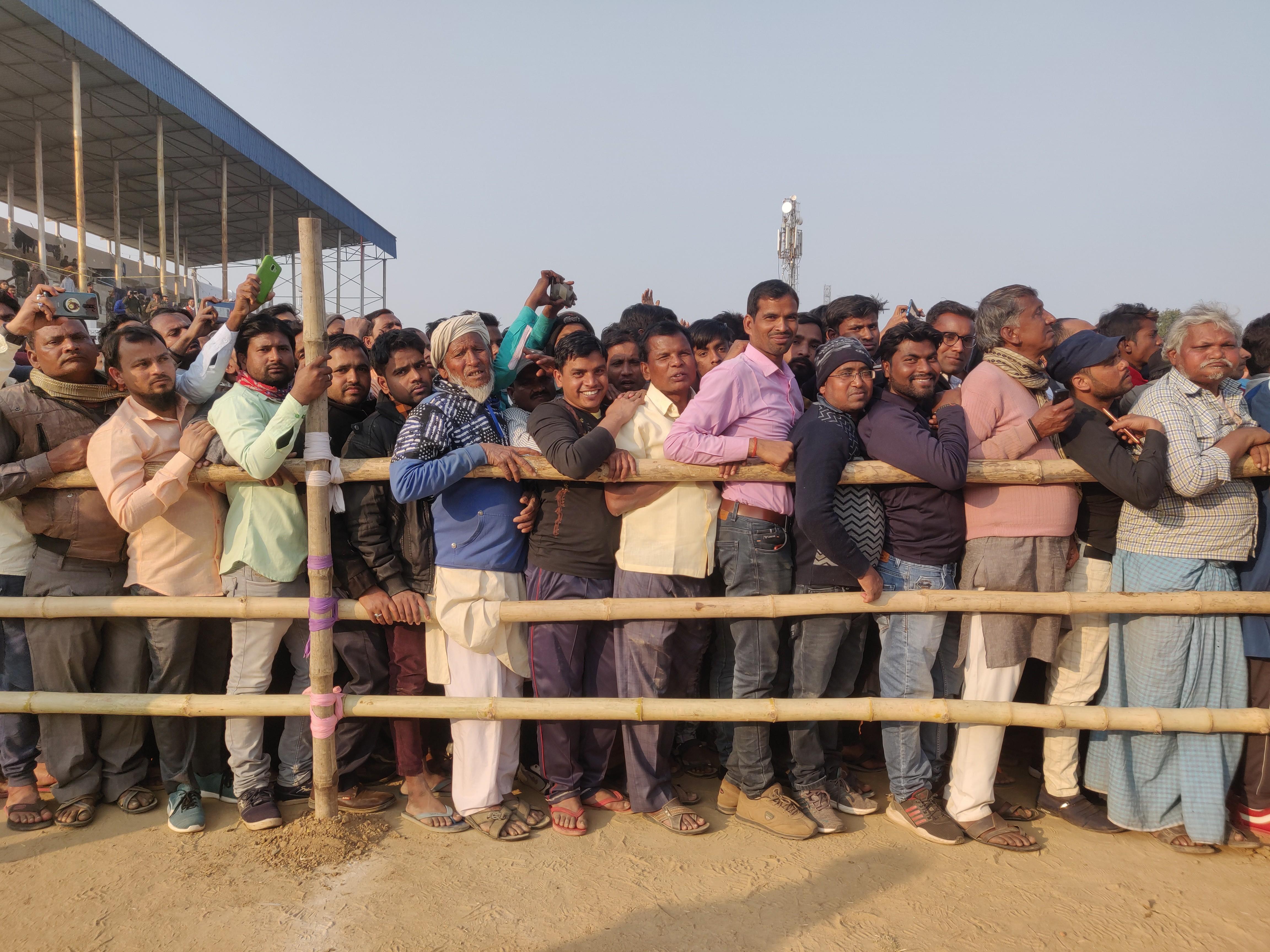 Spectators, anti-CAA yatra in Kalyanpur, India, 2020 | J-T.M.