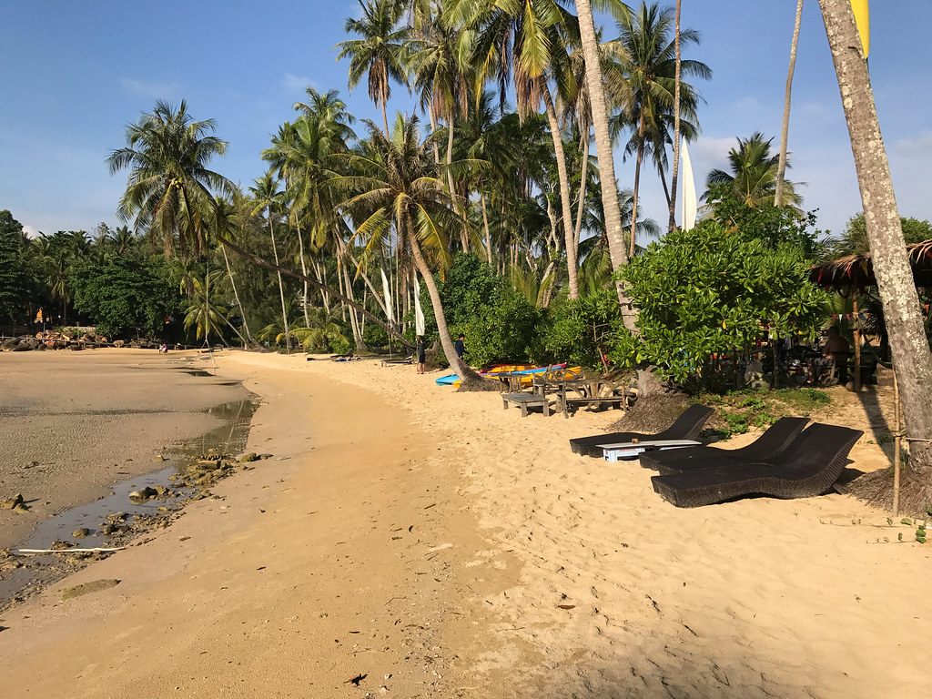 Ngamkho Beachfront