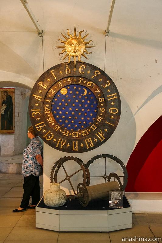 Часы. Александровский кремль, Свято-Успенский женский монастырь, Александров, Государев двор