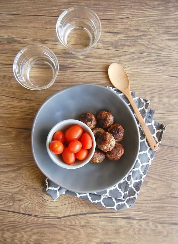 Almôndegas com quinoa e alho-poró