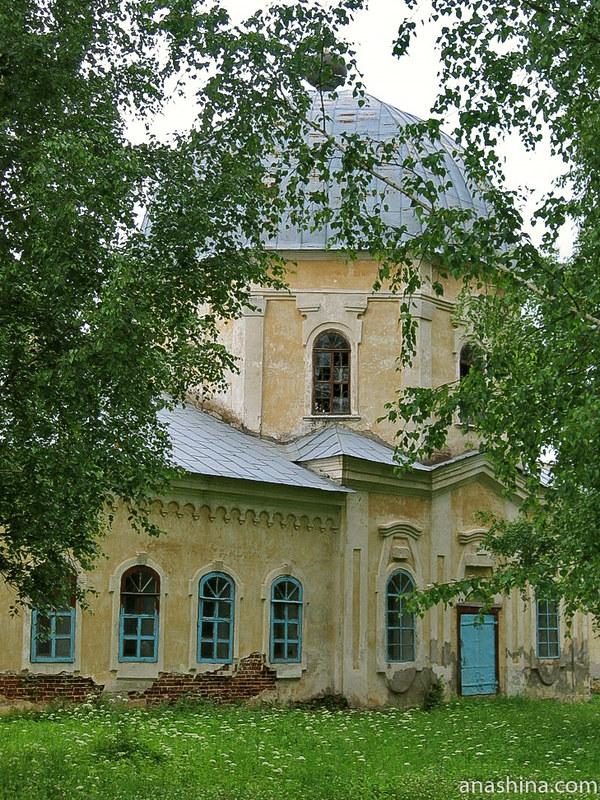 Церковь Знамения Божьей Матери, Усадьба Знаменское-Раёк