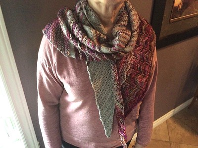 Ann's lovely Albuquerque Sunset by Casapinka. Such a pretty shawl!