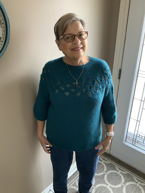 Bev's Love Note by tincanknits looks great on her! Bev's Love Note by tincanknits looks great on her! She knit it using Kelbourne Woolens Andorra