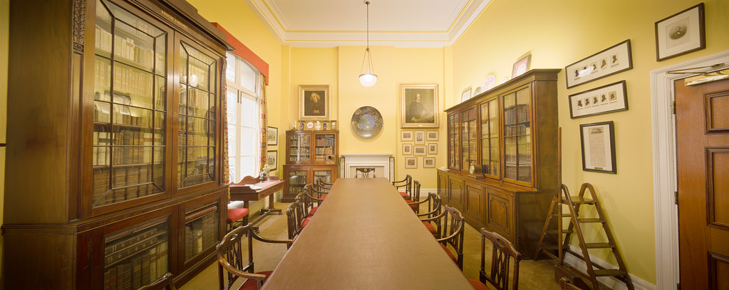 The committee room inside The Athenaeum in Liverpool, England [OC][14548x5789]