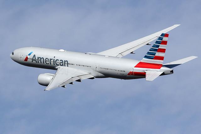 American  Airlines / Boeing   B 777-200   N789AN / LEBL - BCN / mars 2020