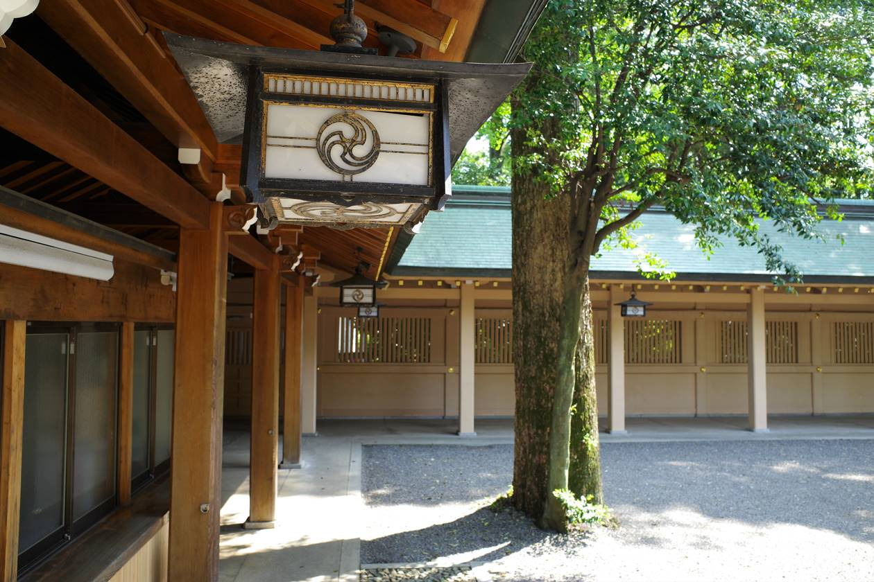 荻窪八幡神社・本殿の回廊