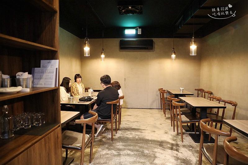 Lay Back美式餐廳209
