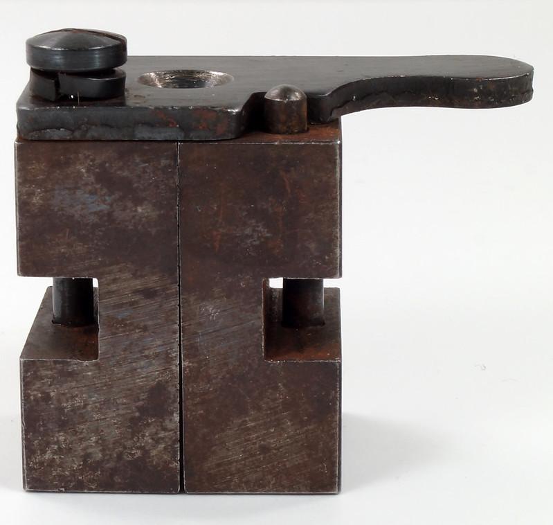 RD16231 Vintage Lyman Bullet Mold Single Cavity 437 595 Round Ball DSC03952