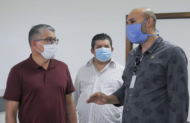 Secretário de Saúde vistoria obras para atender pacientes com Covid-19