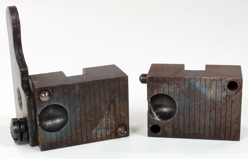 RD16231 Vintage Lyman Bullet Mold Single Cavity 437 595 Round Ball DSC03957