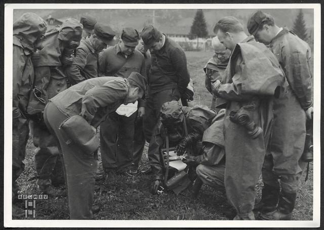 ArchivTappenW735 Gas-Schutz-Übung, 1950er
