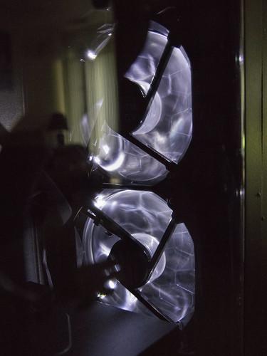 computer pc lights fans dark vertical canoneos6dmarkii 2470mmf28dgoshsm closeup blue white machine technology 2020
