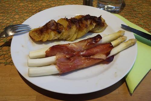 Spargel mit Schinken im Ofen zu Kartoffelgratin (mein 2. Teller)