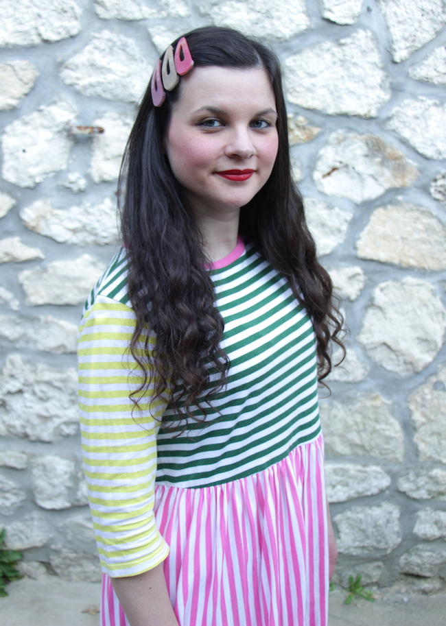 comment-porter-look-robe-rayures-multicolores-converse-seconde-main-blog-mode-la-rochelle-2