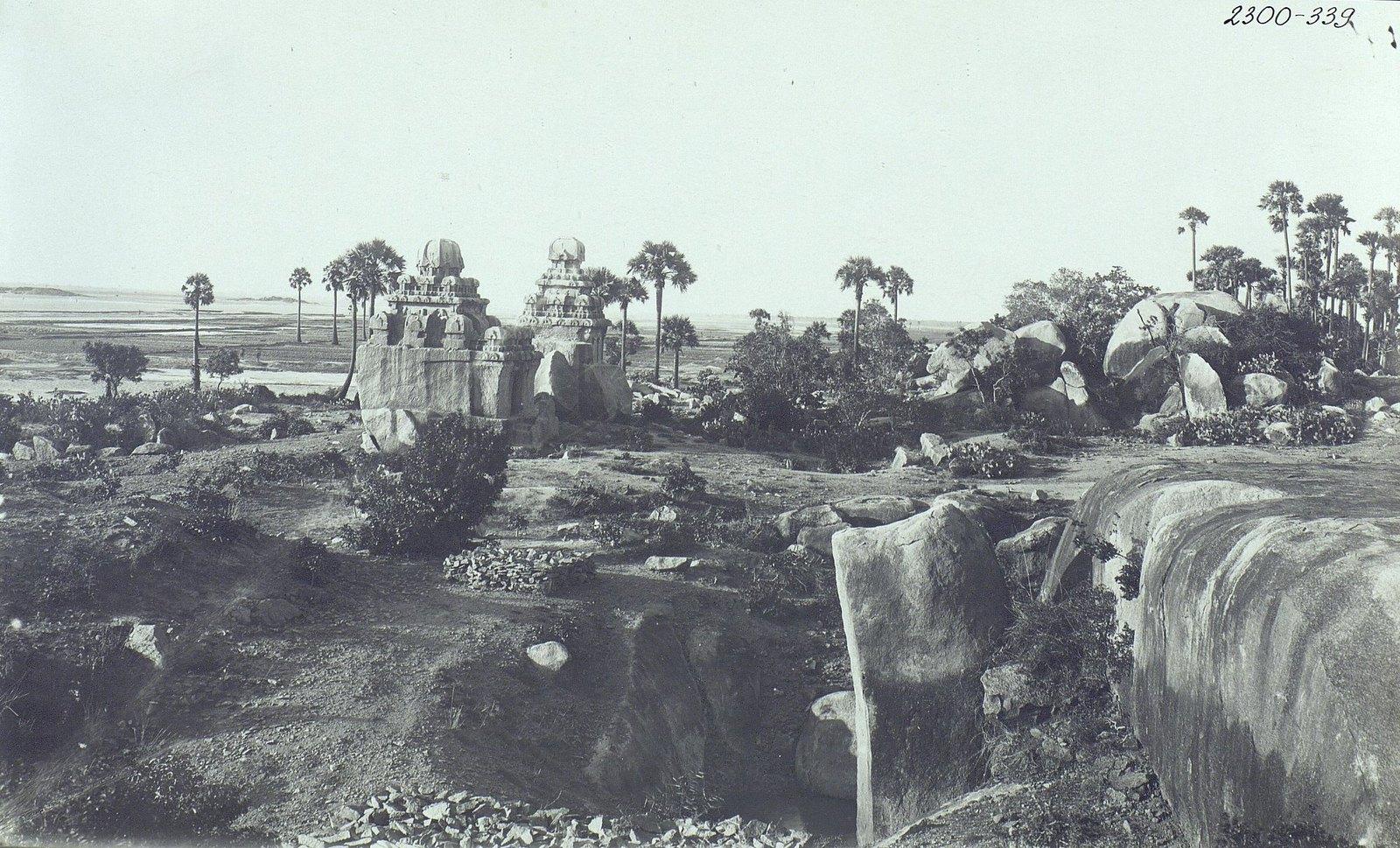 Мамаллапур (общий вид местности, в которой находятся храмы) (8)