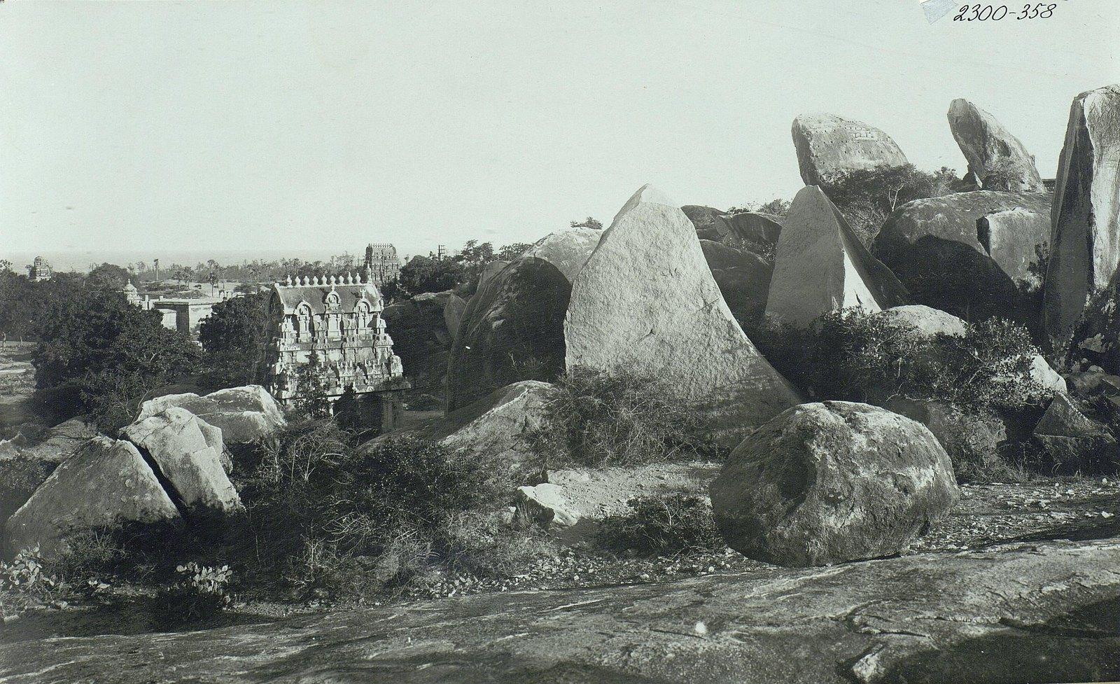 Мамаллапур (общий вид местности, в которой находятся храмы) (4)