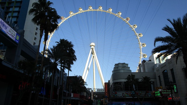 Nevada - Las Vegas:  Giant  (550-foot / 167m tall )