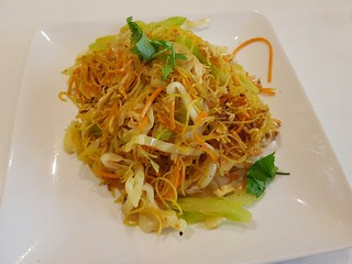 Singapore Noodles at Loving Hut