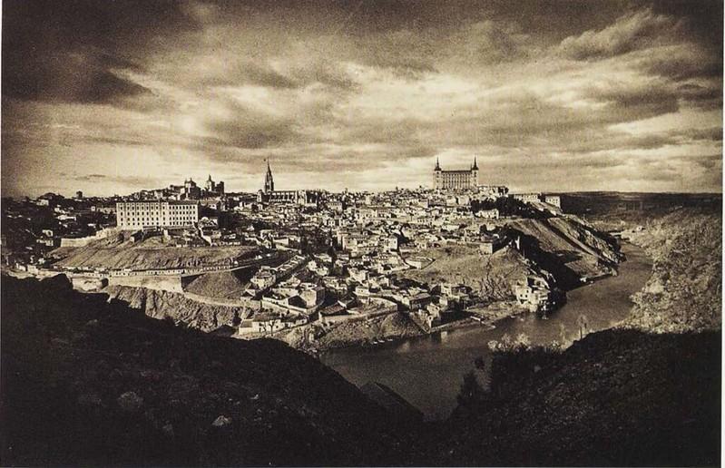 Vista de Toledo en los años 20 por José Ortiz Echagüe
