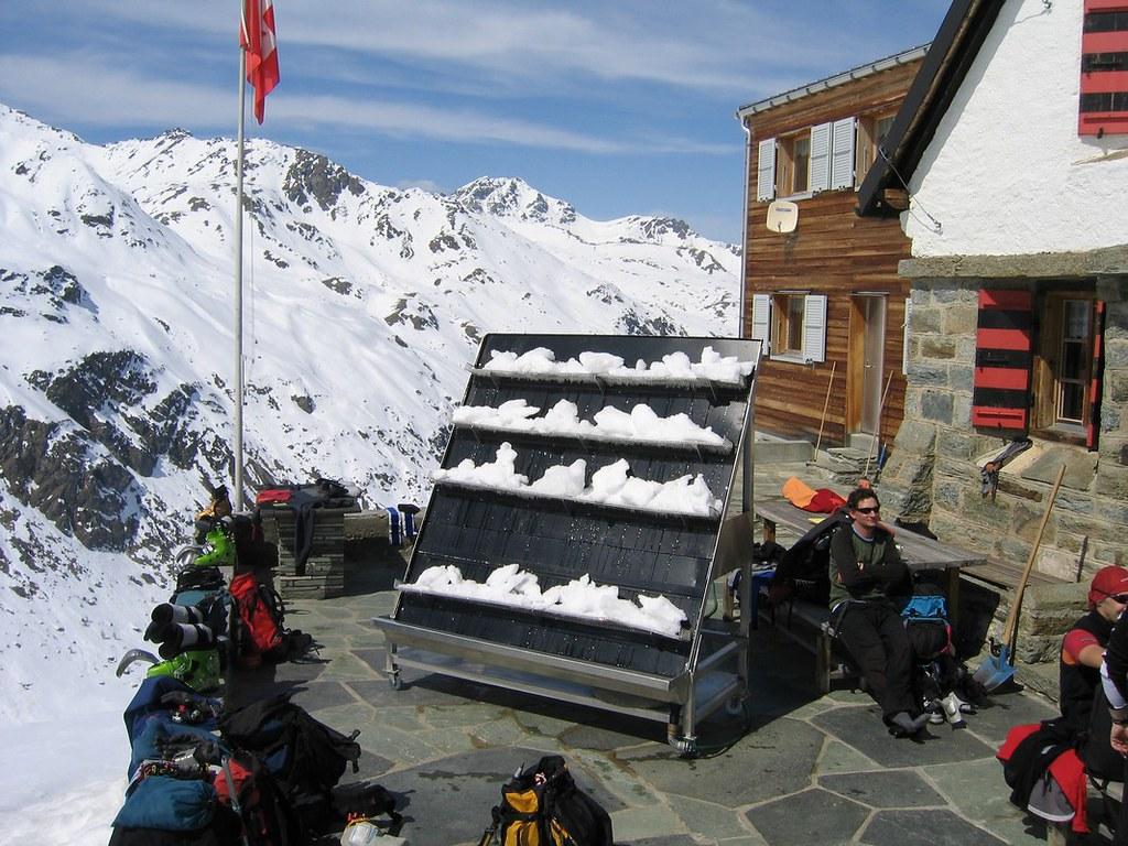 Turtmannhütte / Cabane Tourtemagne  Walliser Alpen / Alpes valaisannes Switzerland photo 02