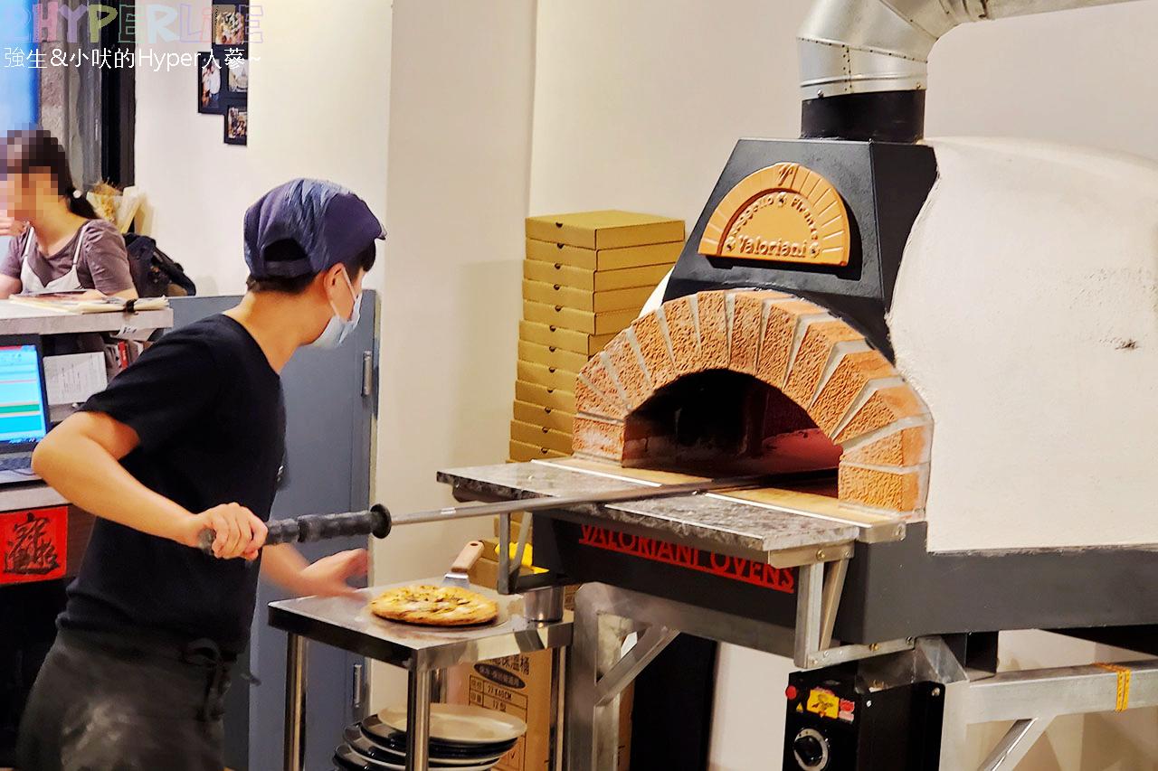 Amore Pizzeria Napoletana│把義大利做披薩那套搬過來,使用義式食材和窯烤, 愛。拿坡里窯烤披薩麵皮口感紮實用料實在! @強生與小吠的Hyper人蔘~