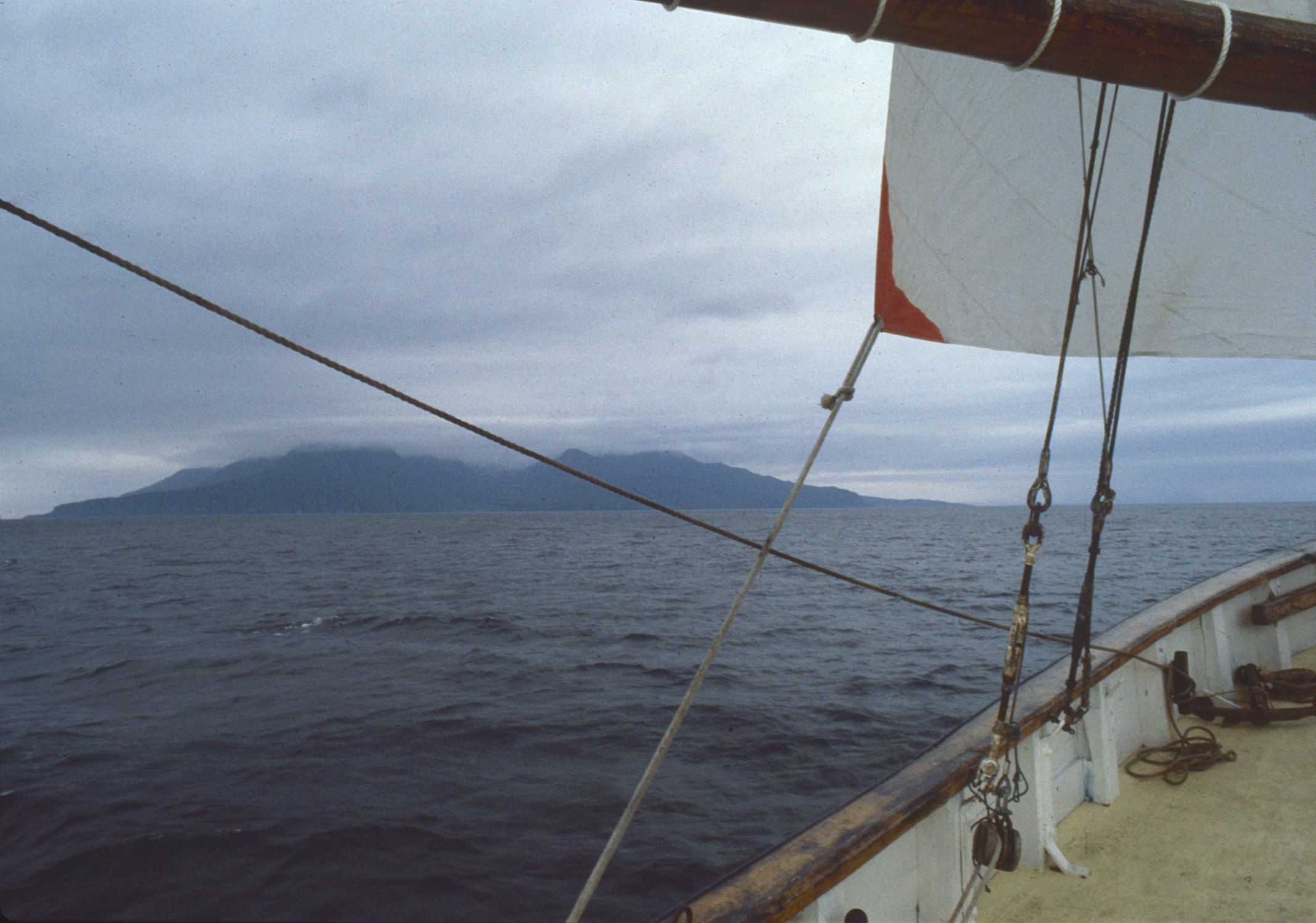 Deli Approaching the island of Tanera Móre
