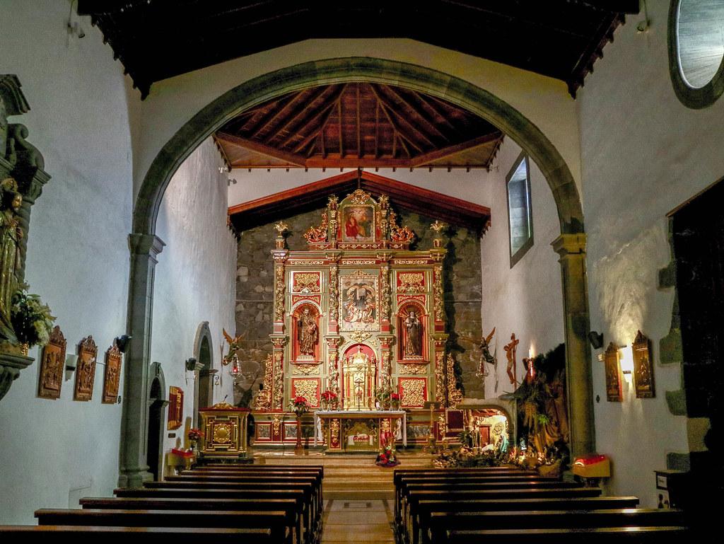 Interior de la iglesia de San Pedro Apostol en Vilaflor en Tenerife