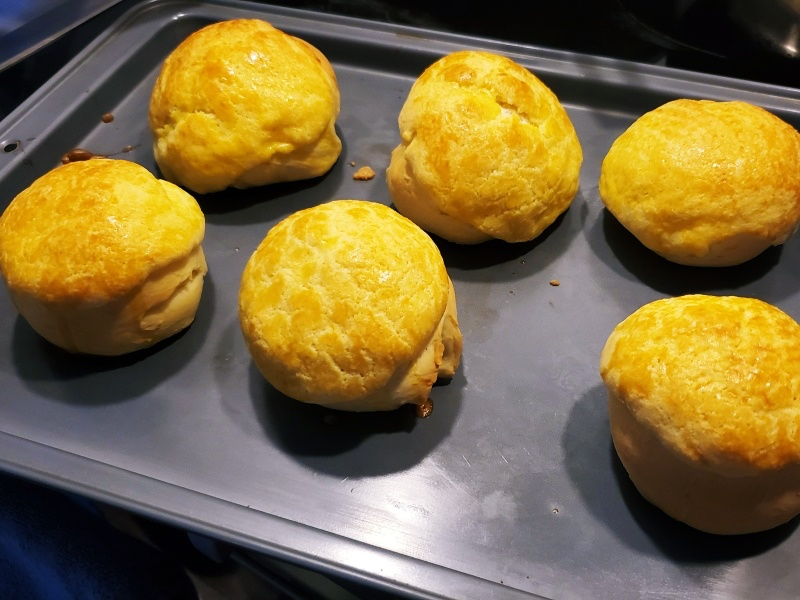 Hong Kong pineapple buns