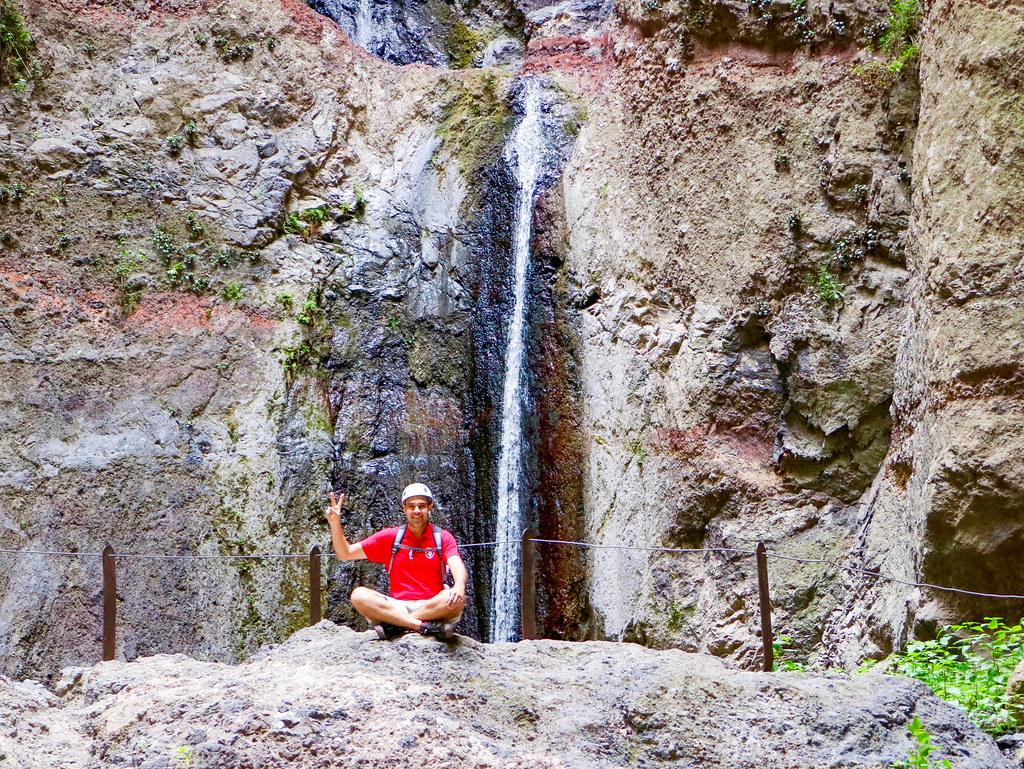Caida de agua al final del Barranco del Infierno