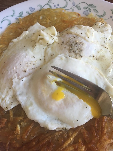 Eggs and hash browns