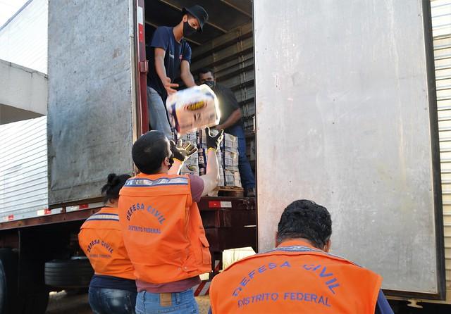 Comitê de Emergência Covid-19 recebe 12 toneladas em cestas básicas